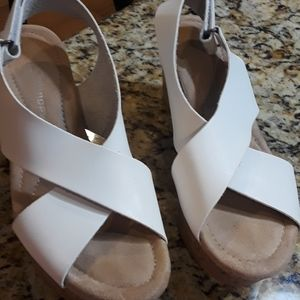 """CL by Laundry Sz 7.5/38 White 3"""" Cork Wedges"""